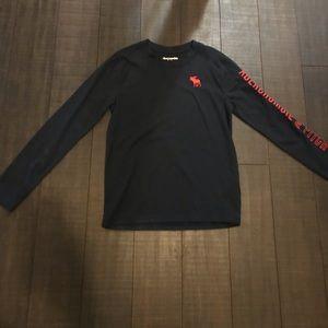 Abercrombie kids boys 9/10 blk shirt